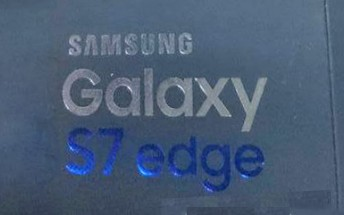 Samsung Galaxy S7 edge retail box has most specs written on it