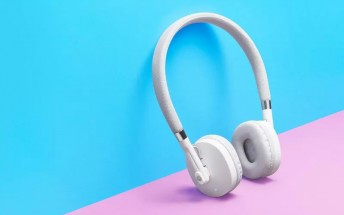 Motorola also outs Moto Pulse and Moto Surround wireless headphones
