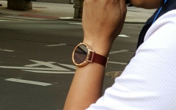 Next-gen Moto 360 gets photographed on people's wrists