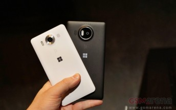 Microsoft Lumia 950 and 950 XL sales start in Europe