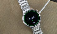 Huawei Watch update lets it show you the battery level while charging