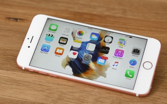 iPhone shipments estimated at 55M for March quarter, first YoY decline since 2007 launch
