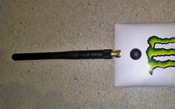 Lumia 520 and 435 modded with external Wi-Fi antenna, cooling fan