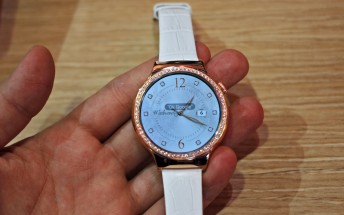 """Huawei Watch for women listed as """"coming soon"""" on the Google Store"""