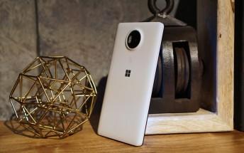 Get a Lumia 950 XL and Microsoft Display Dock for just $499 until May 30