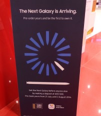 A shop in Dubai offers the Galaxy Note7 on pre-order