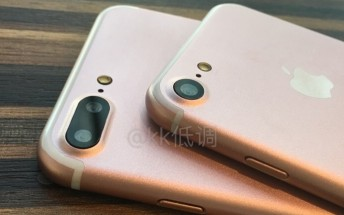 Yet another batch of iPhone photos spotted online