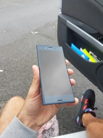 Sony Xperia F8331 live photos