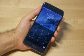 Honor 8 in the hand: Front - Honor 8 Hands-on