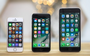 Report says iPhone 8 will come in three sizes, all with glass backs