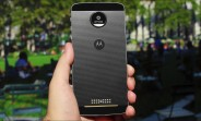 Motorola Moto Z receiving security update in UK