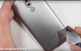 Honor 6X gets the bend, scratch, and burn test