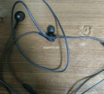 Samsung Galaxy S8 earbuds