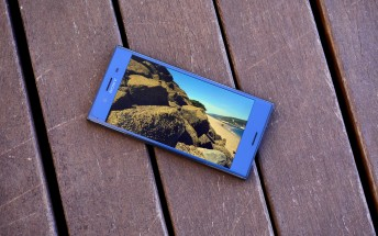 Sony Xperia XZ Premium vs iPhone 7 Plus quick camera comparison