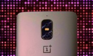 Another OnePlus 5 prototype: 3.5mm jack and antenna lines not visible