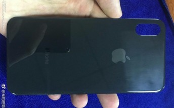 Apple iPhone 8 back panel leaks