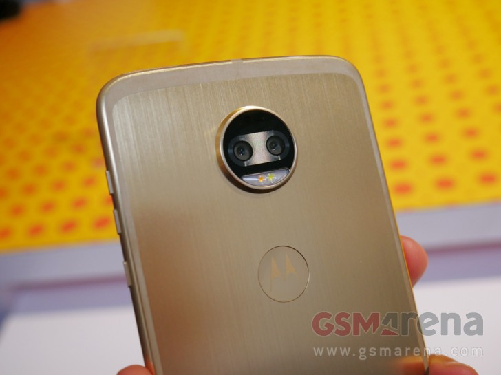 News 17 07 Moto Z2 Force Hands On review