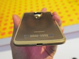 Moto Z2 Force: Bottom - News 17 07 Moto Z2 Force Hands On review