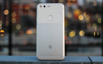 Deal Alert: Google Pixel gets $200 price cut, free Daydream View headset included as well