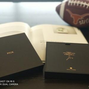 Xiaomi Mi Mix 2 retail packaging