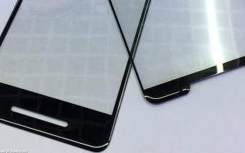 Another leaked screen protector hints at massive bezels on the upcoming Pixel 2