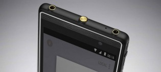 Two headphone jacks are better than none