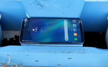 LG V30 and V30+ are both available today at US Cellular