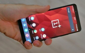 OnePlus 5T hands-on photo shows off its front bezel, Carl Pei posts a teaser