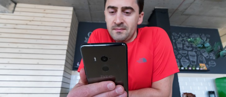 HTC U11+ in for review