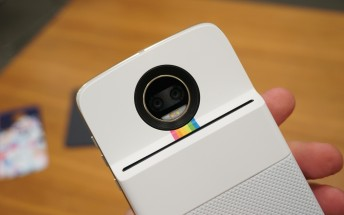 Polaroid Insta-Share Printer MotoMod hands-on
