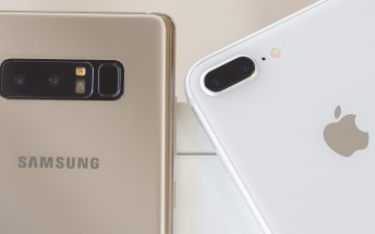 Apple & Samsung take 70% of holiday activations