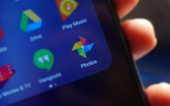 New Google Photos notification shows a preview of shared photos