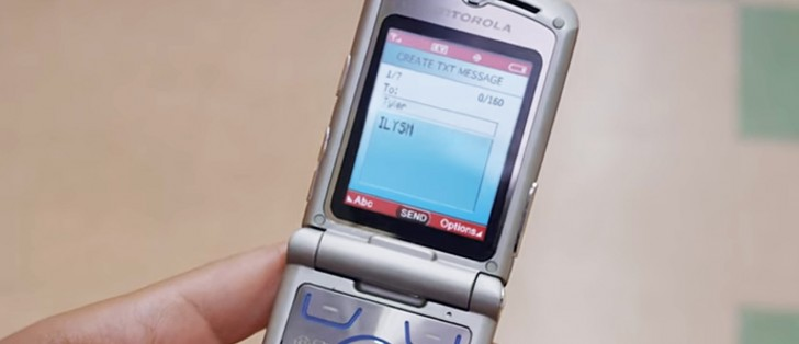 Lenovo CEO hints at a possible Moto RAZR comeback with foldable design