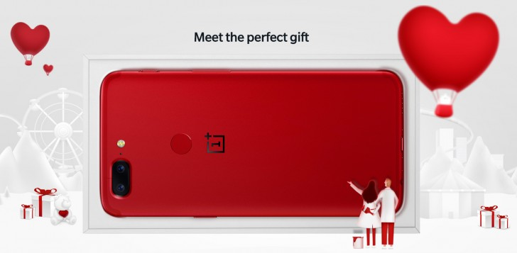 Emily Ratajkowski gives away OnePlus 5T phones to 5 lucky couples