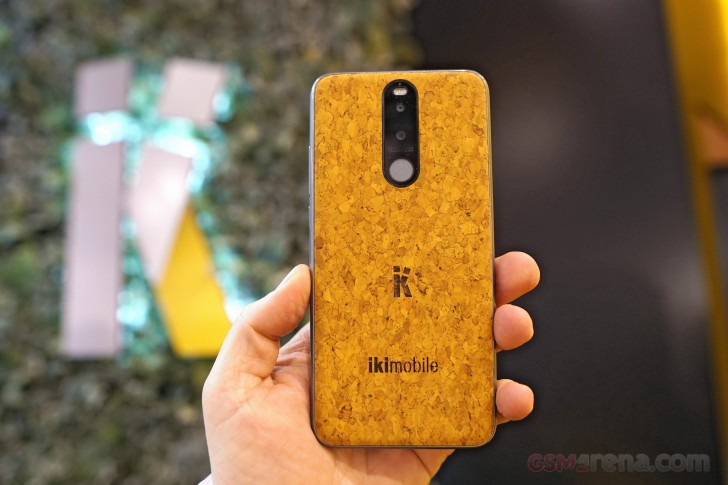 Ikimobile BLESSPLUS is a phone made of cork, we go hands-on