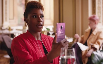 Here is Samsung's ad for the Oscars featuring Issa Rae and Constance Wu