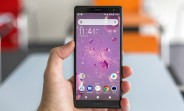 Sony Xperia XZ2 pre-orders in the UK come with a free PlayStation 4 or PSVR