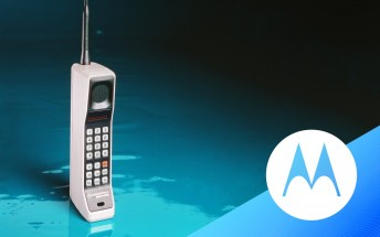 Motorola celebrates 45 years since the first mobile phone with a sale
