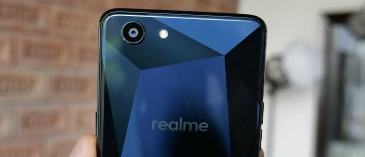 Oppo's Realme 1 spotted in hands-on photos - GSMArena com news