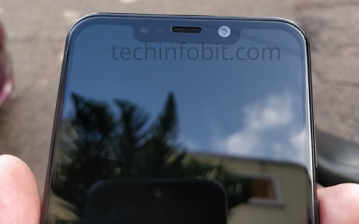 Moto One Power first live images surface