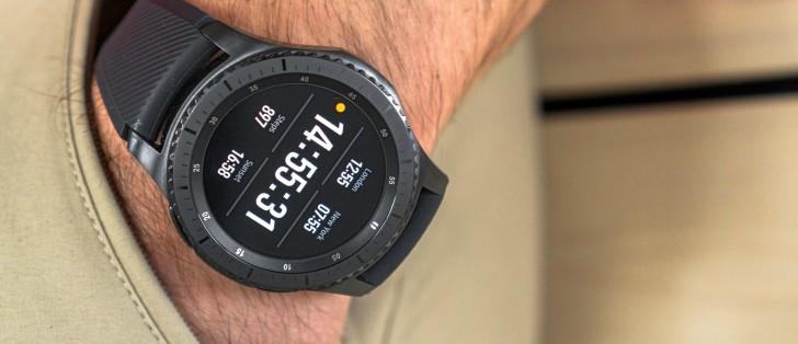 Samsung Gear S3-series get firmware update, fixes the