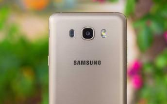 Samsung postpones Oreo update for 8 Galaxy phones until December