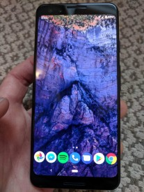 Google Pixel 3 live images