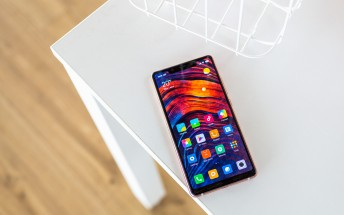 Stable MIUI 10 is currently rolling out for Xiaomi Mi 8 SE and Mi Mix 2