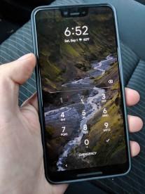 Google Pixel 3 XL handled in the wild