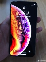 Apple iPhone Xs handled before tomorrow's unveiling