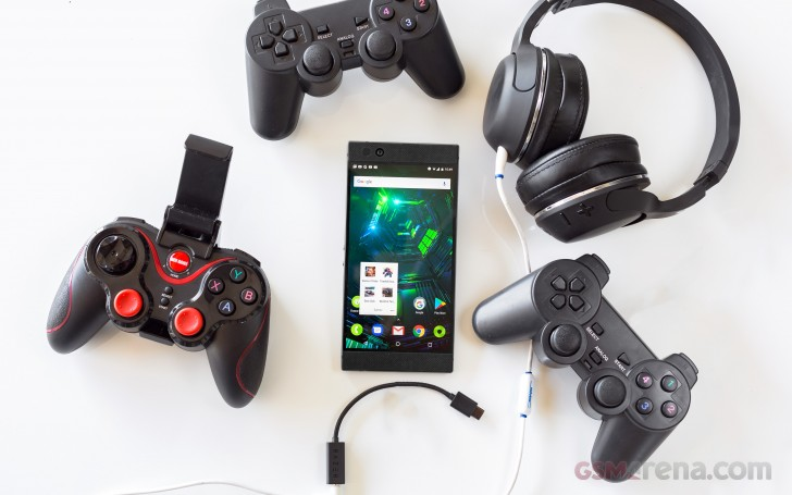 Gaming-smartphones-accessories