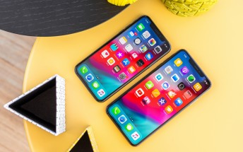 iPhone XS and XS Max sales strong, split evenly