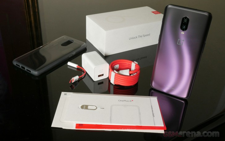 Unboxing and hands-on with the Thunder Purple OnePlus 6T