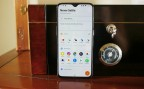 Display - Oneplus 6T Thunder Purple Hands On review